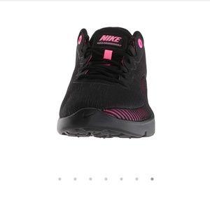 Nike Shoes - Nike air Max Advantage 2